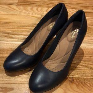 NWOB Clark's Navy blue heels